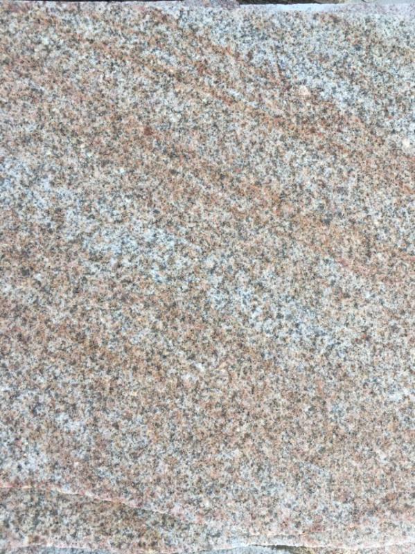 山东锈石厂家直销: 【主营】:黄锈石,白锈石,路沿石,蘑菇石,火烧面,光面,荔枝面,机切面,自然面,异形加工等各种规格板材 联系电话:15263725558