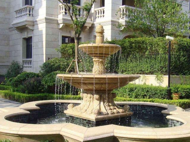 锈石喷水池