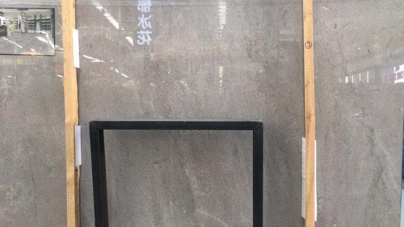 性比價高的一款灰板,板面基本無變化,無論是正切還是反切面都是百搭,不要看它平淡無奇,做起來的效果一定讓你驚喜,需要灰板的老板,不妨過來喝茶看看板……