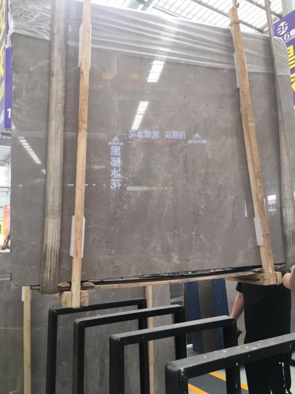 性比价高的一款灰板,板面基本无变化,无论是正切还是反切面都是百搭,不要看它平淡无奇,做起来的效果一定让你惊喜,需要灰板的老板,不妨过来喝茶看看板……