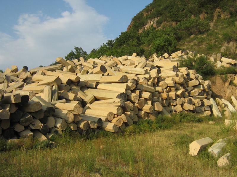 玄武岩中国黑六方石石材  景观石材条形石  立柱喷泉