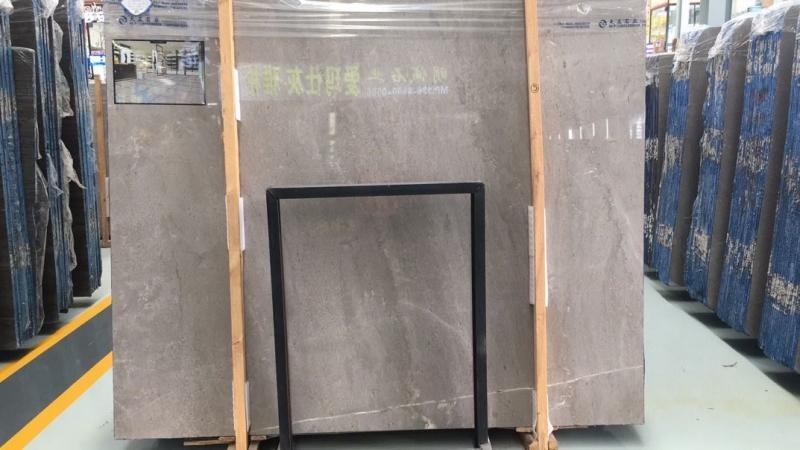 贵州矿灰板,价格实惠,创造范围广泛,属于百搭款灰板,欢迎来店喝茶鉴石。