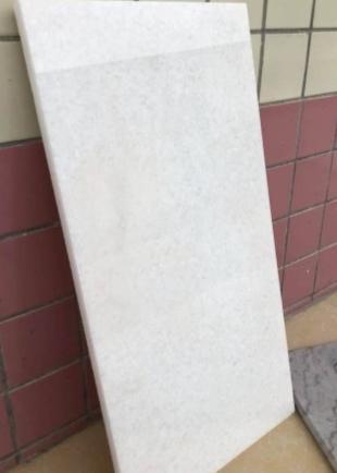 广西白纯白有的带黄线 ,150平,光面,防水
