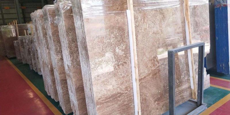 米白洞石。五件,240平方底價處理。—米白洞石荒料6顆90噸。特價。—凱撒灰1200平方處理。—咖啡洞石,米黃洞石,全部1點八厚度5000平方。處理15259420176