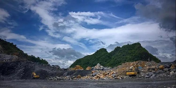 湖北省黄石市大力拆除开山塘口废弃采掘设备 提升矿山修复质量