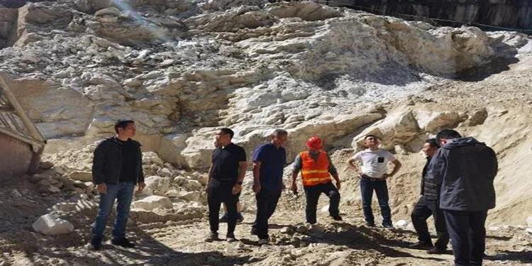 四川省石棉县林业局到石棉开全大理石矿督导矿山环境整治情况
